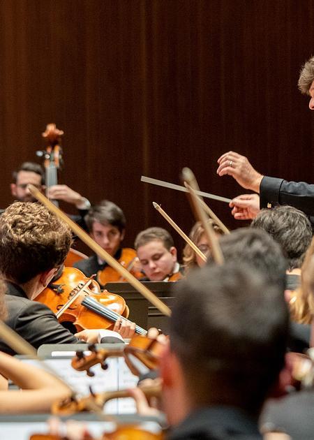 LUDWIG VAN BEETHOVEN Triplo concerto in do magg. op. 56 per pianoforte, violino e violoncello Sinfonia in do minore n. 5