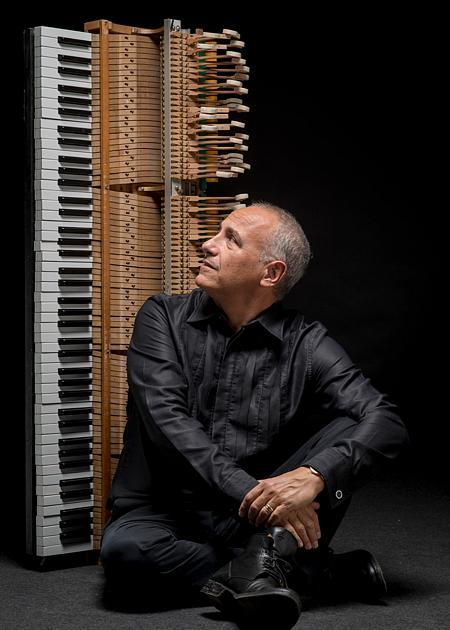 Danilo Rea pianoforte Prima della prima alla Scala Lirico Improvvisazioni su grandi temi del teatro d'opera